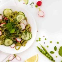 IMG_8486_Osvěžující těstovinový salát s okurkou a ředkvičkou_mv